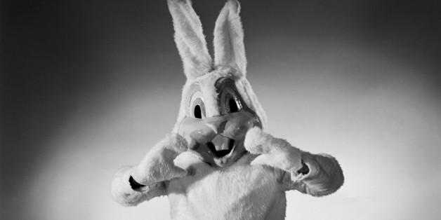 coniglio-uomo-colstume-inquietante-paura