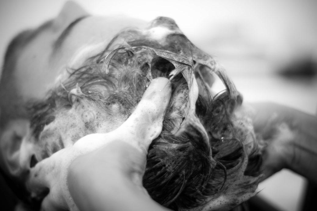 shampo-parrucchiere-schiuma